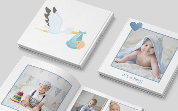 Kuvakirjan kannet ja aukeama lapsesta